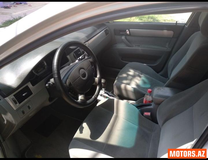 Chevrolet Lacetti 8500 2005