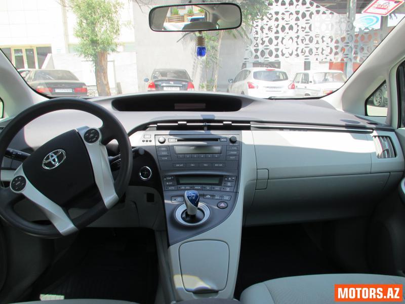 Toyota Prius 22500 2011