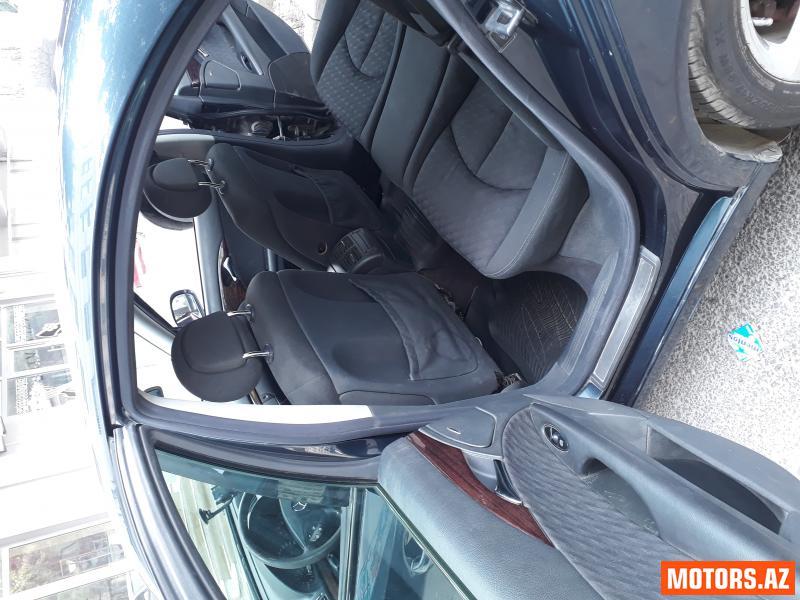 Mercedes-Benz E 220 12900 2002