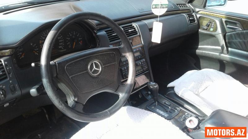 Mercedes-Benz E 320 7500 1995