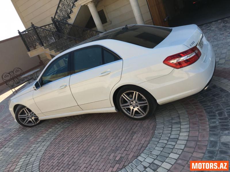 Mercedes-Benz E 300 26000 2011