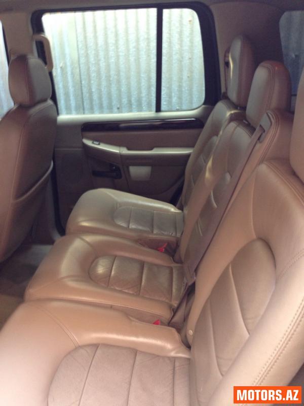 Ford Explorer 14000 2004