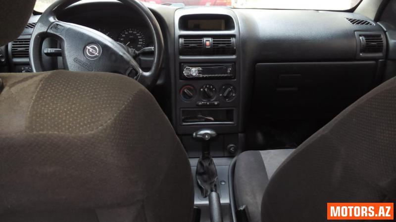 Opel Astra 7800 2000