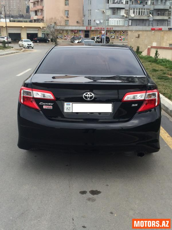 Toyota Camry 27500 2014