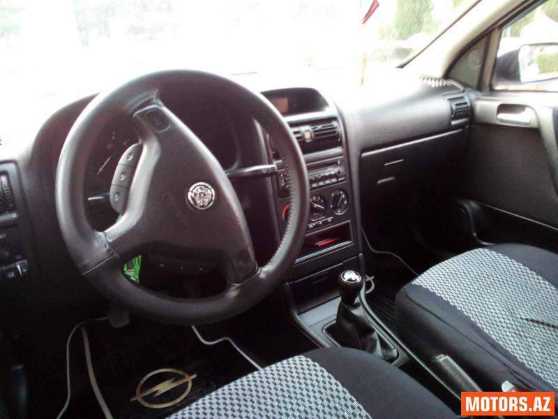 Opel Astra 8700 2000