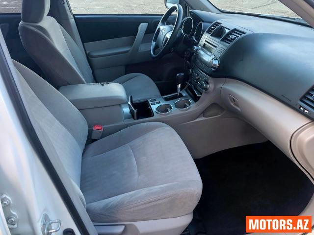 Toyota Highlander 17680 2012