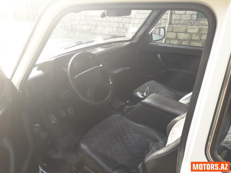 Lada Niva 9800 2013
