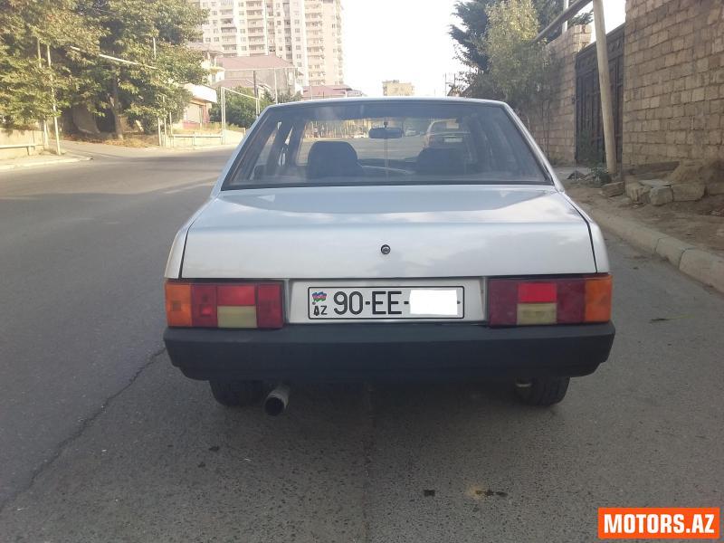 VAZ 21099 6100 2001