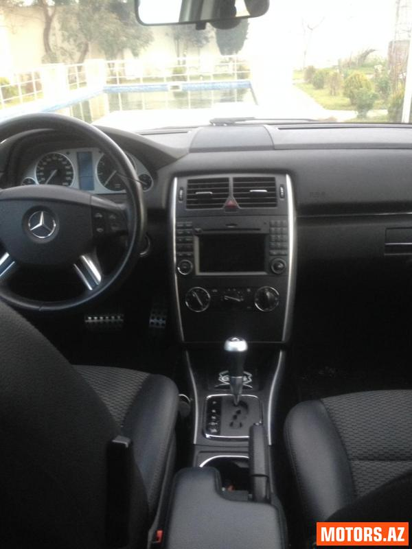 Mercedes-Benz B 180 15900 2010