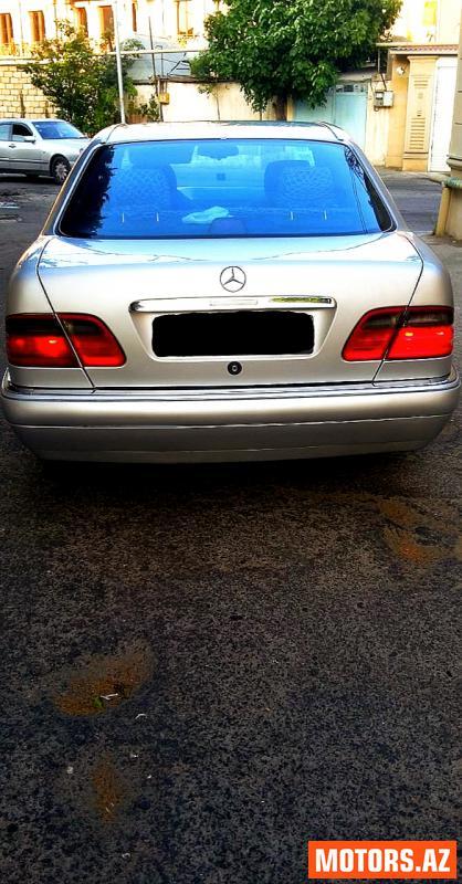 Mercedes-Benz E 230 10500 1995