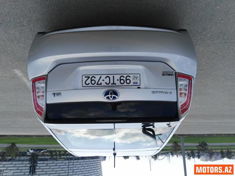 Toyota Prius 24400 2013