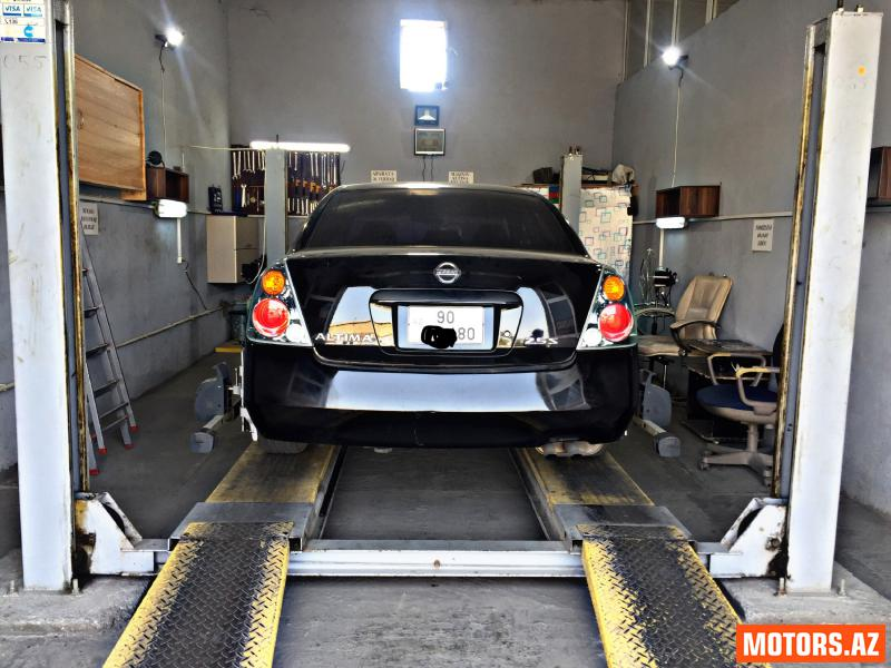 Nissan Altima 11700 2005