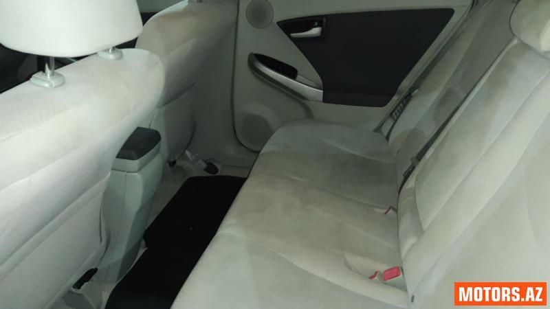 Toyota Prius 18400 2010