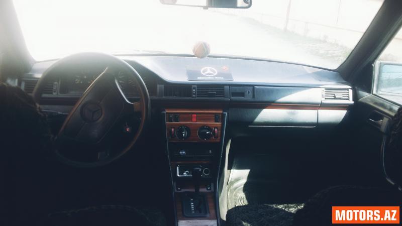 Mercedes-Benz 250 7500 1993