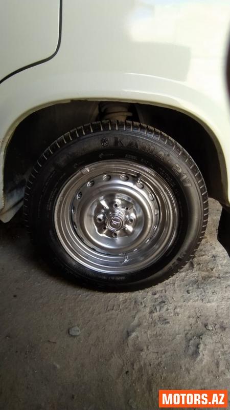 Lada 2107 5700 2005