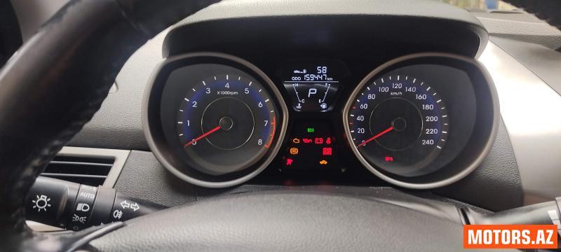 Hyundai Elantra 21000 2012