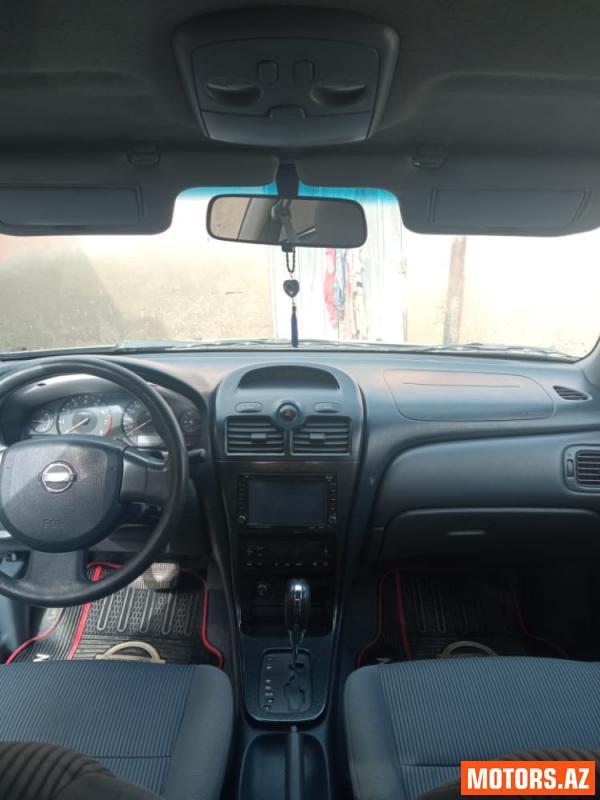 Nissan Sunny 12700 2008