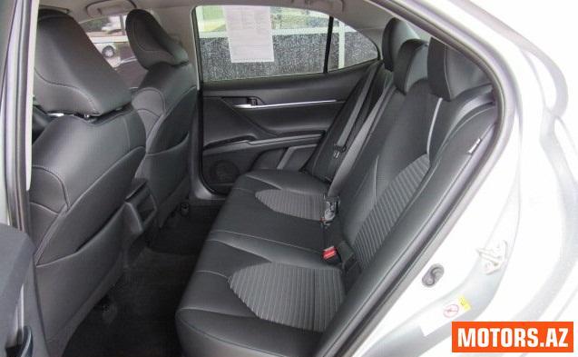 Toyota Camry 13600 2015