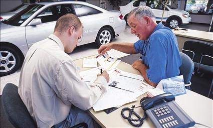 Avto kredit maşın alıcılarına sərfəlidirmi?