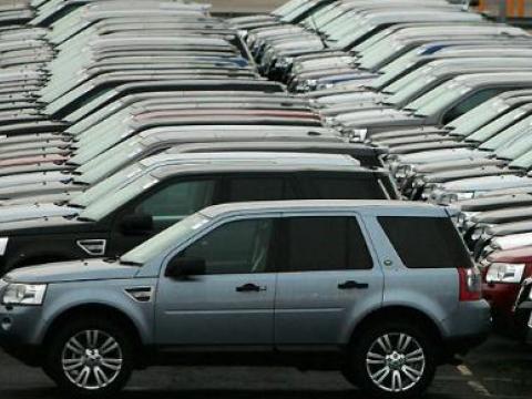 On minlərlə tutumu olan virtual avtomobil bazarı