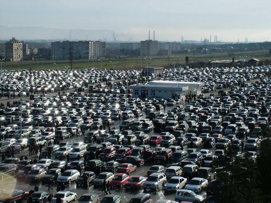 Qafqazın ən böyük maşın bazarı - Rustavi maşın bazarı